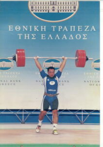 2002 :Κωνσταντινίδης Βασίλειος. 95 πανελλήνια ρεκόρ (παίδων - εφήβων. 7 φορές πρωταθλητής Ελλάδος (παίδων-εφήβων-ανδρών). 3ος Πανευρωπαϊκό Παίδων (1997). 3ος Πανευρωπαϊκό Παίδων (1998). 4ος Παγκόσμιο Εφήβων (2001). 3ος Πανευρωπαϊκό Εφήβων (2001). 6ος Πανευρωπαϊκό Εφήβων (2002). 3ος Πρωτάθλημα Ευρωπαϊκής Ένωσης (2004). 5ος Μεσογειακοί Αγώνες (2005). 5ος Πανευρωπαϊκό Ανδρών (2005) Αν ο Κωνσταντινίδης ήταν γεννημένος λίγες μέρες αργότερα (στις αρχές του 1983), η επίδοση του στο αρασέ, θα αποτελούσε παγκόσμιο ρεκόρ παίδων.